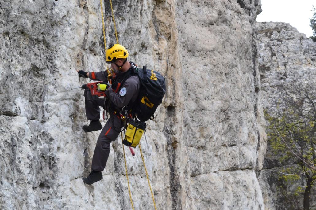 Где научится промышленным альпинизмом